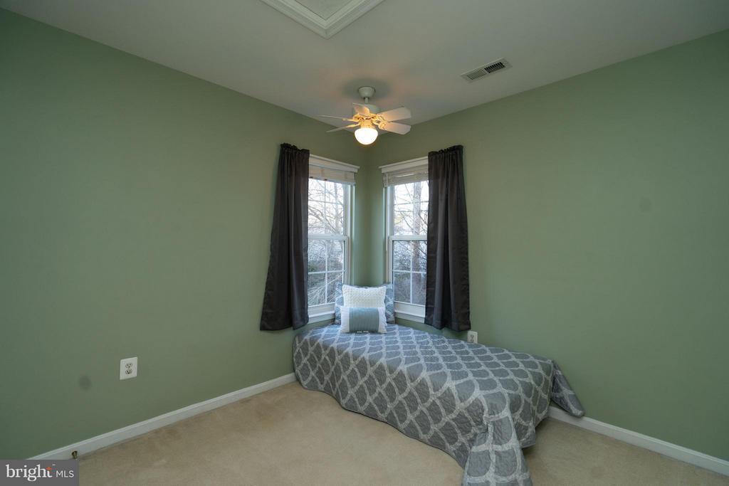 Bedroom #2-  Wooded View - 5602 ASSATEAGUE PL, MANASSAS