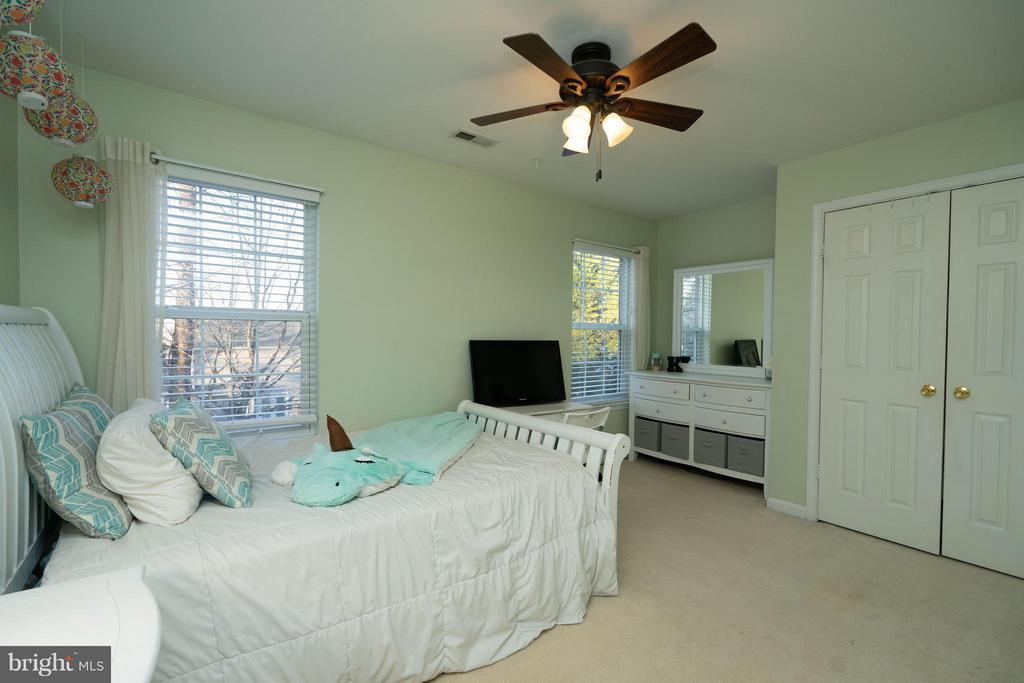 Extra Large Bedroom #3 w/Nook & Large Closet - 5602 ASSATEAGUE PL, MANASSAS
