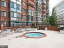 Hot tub - 1001 N RANDOLPH ST #518, ARLINGTON