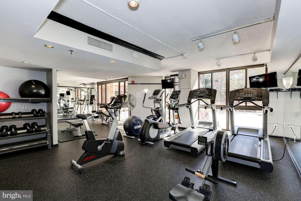 Fitness center - 1001 N RANDOLPH ST #518, ARLINGTON
