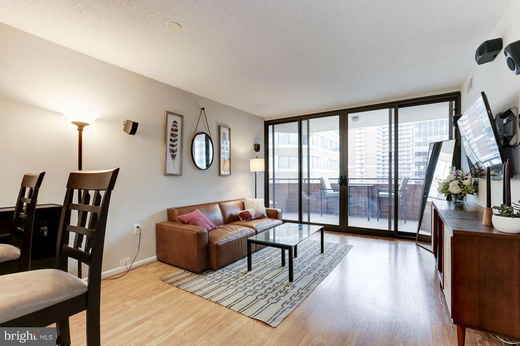 Spacious layout - 1001 N RANDOLPH ST #518, ARLINGTON