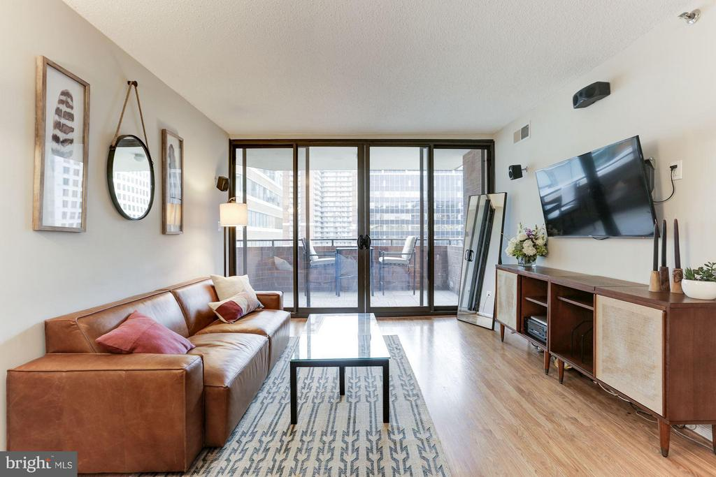 Excellent layout! - 1001 N RANDOLPH ST #518, ARLINGTON