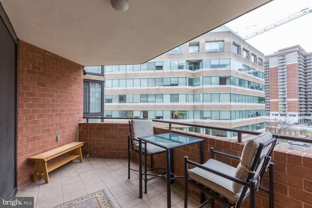 Perfect for dining al fresco - 1001 N RANDOLPH ST #518, ARLINGTON