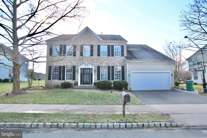 Enfamiljshus för Försäljning vid 4 BIRCH Drive Plainsboro, New Jersey 08536 Förenta staternaI/Runt: Plainsboro Township
