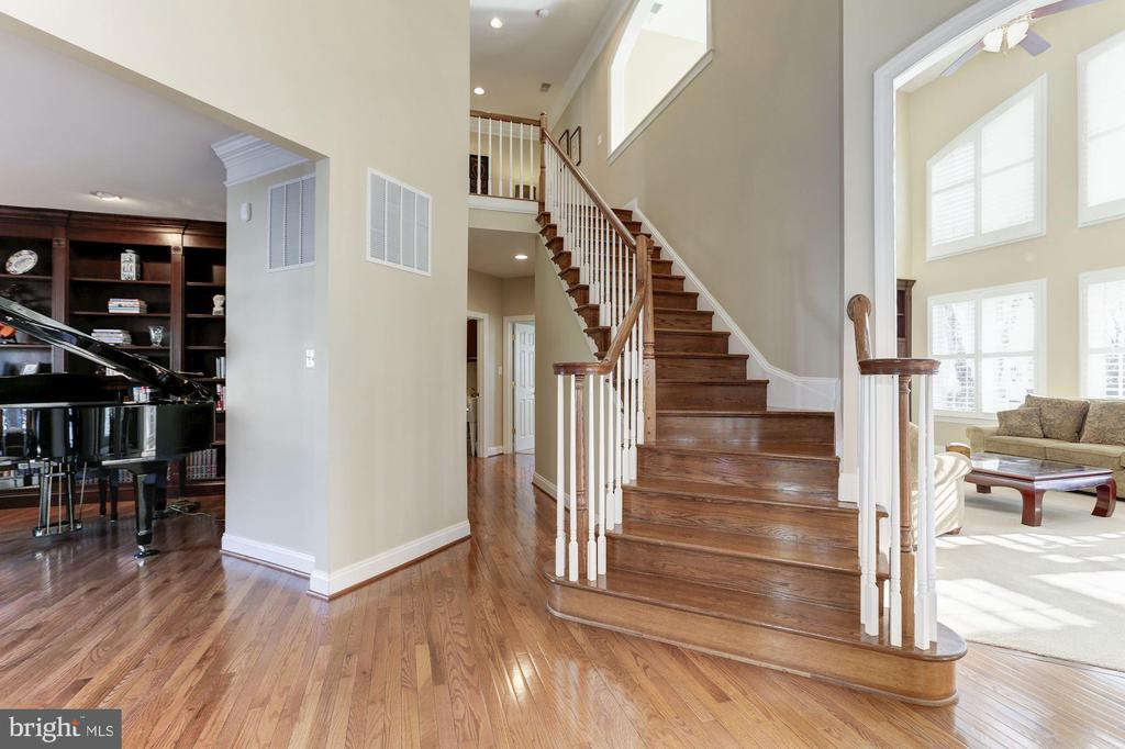 Stairs - 19468 MILL DAM PL, LEESBURG