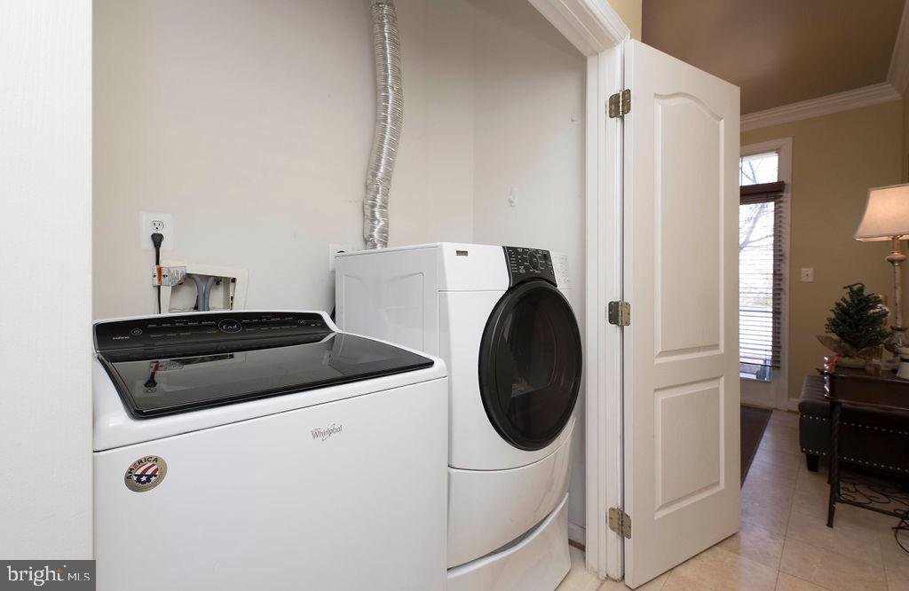 Washer Dryer main level - 13375 COLCHESTER FERRY PL, WOODBRIDGE