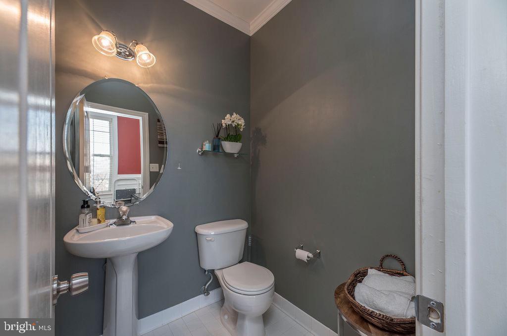 Half Bath - main  level - 13375 COLCHESTER FERRY PL, WOODBRIDGE