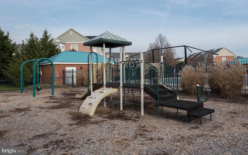 Community Playground area - 13375 COLCHESTER FERRY PL, WOODBRIDGE