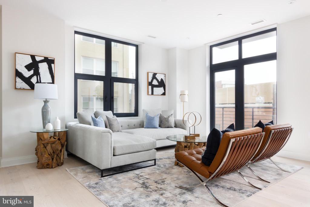 Intimate living room - 1427 RHODE ISLAND AVE NW #204, WASHINGTON
