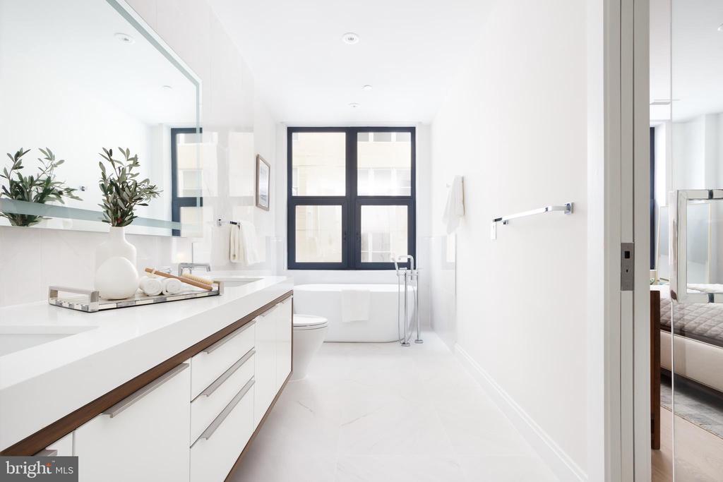 Luxurious master bath - 1427 RHODE ISLAND AVE NW #204, WASHINGTON