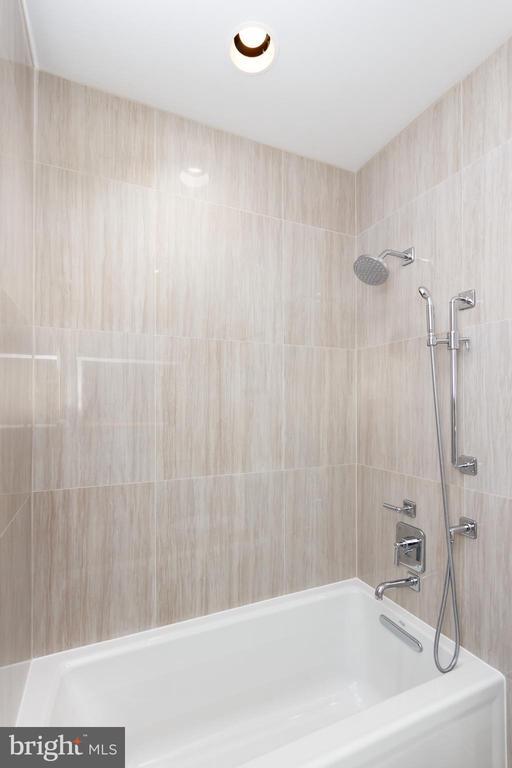 Guest Bath - 1427 RHODE ISLAND AVE NW #204, WASHINGTON