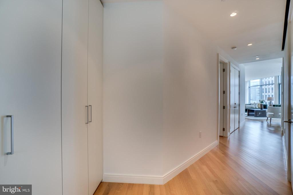 ENTRY HALL - 1177 22ND ST NW #3D, WASHINGTON