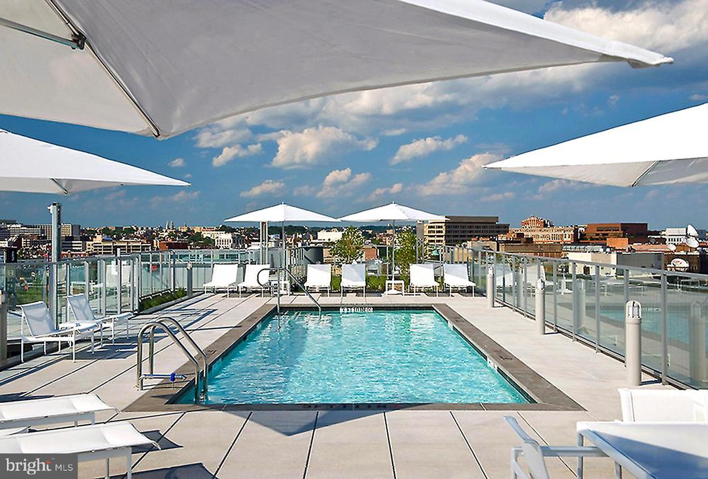 ROOFTOP POOL AND SUNDECK - 1177 22ND ST NW #3D, WASHINGTON