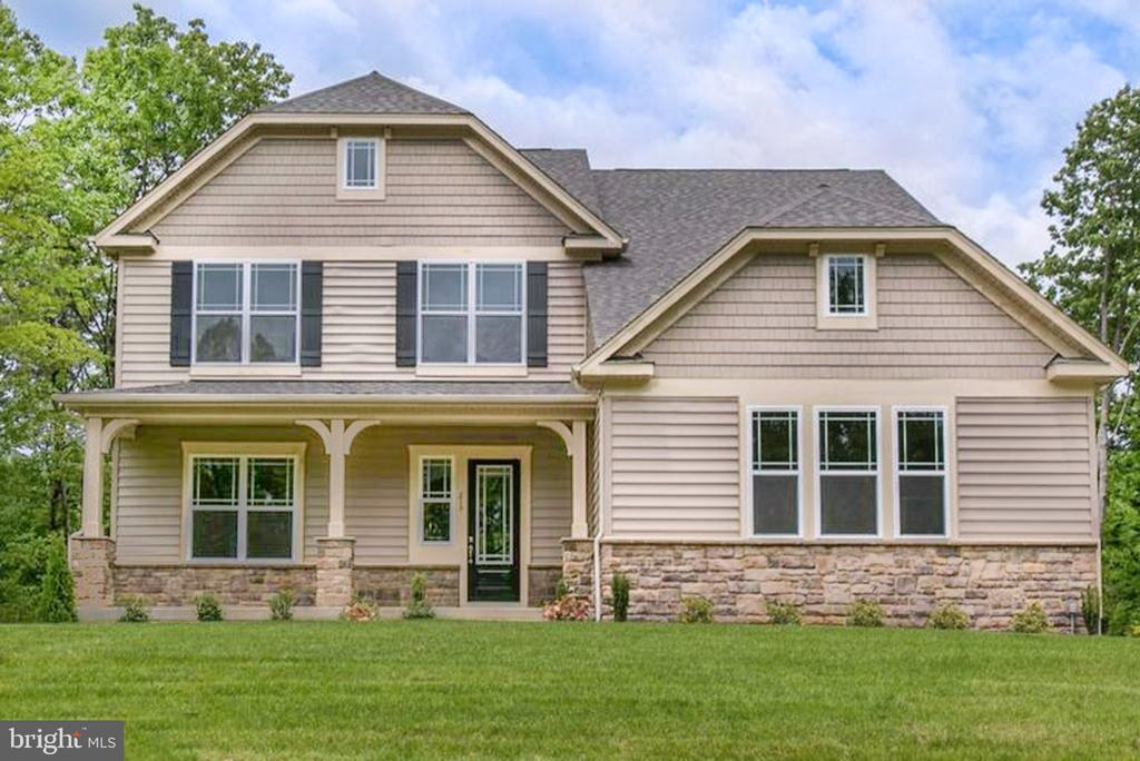 3 year old better than model home on 1 acre lot - 215 ROCK RAYMOND DR, STAFFORD