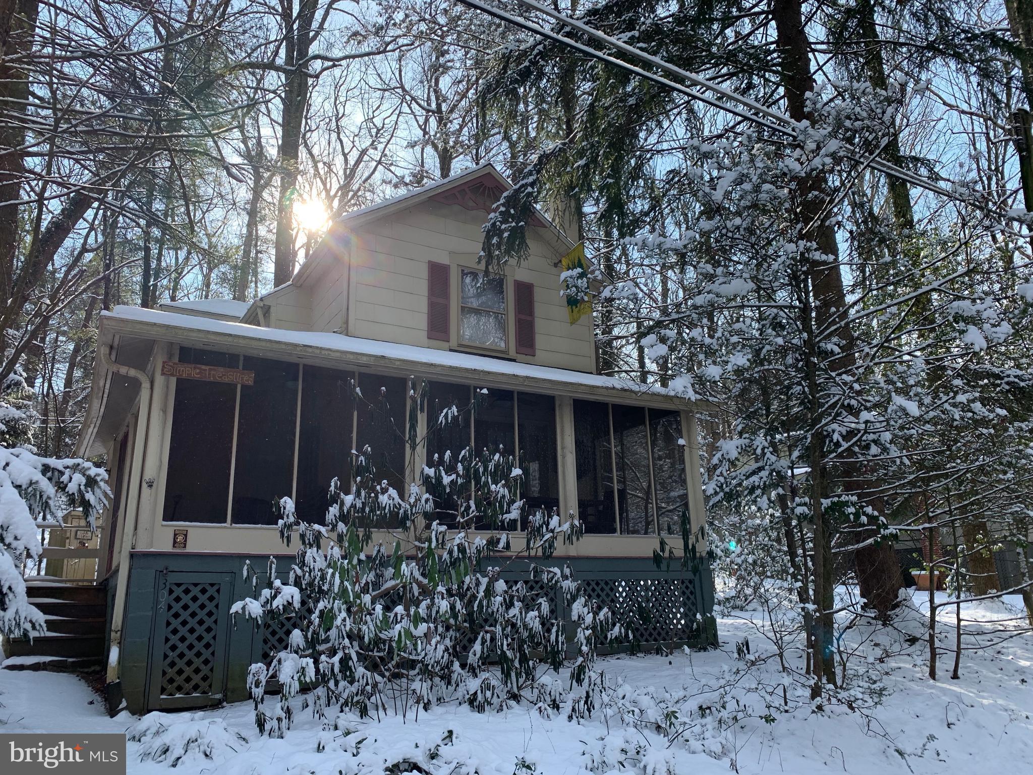 Winter wonderland!  - Front of home