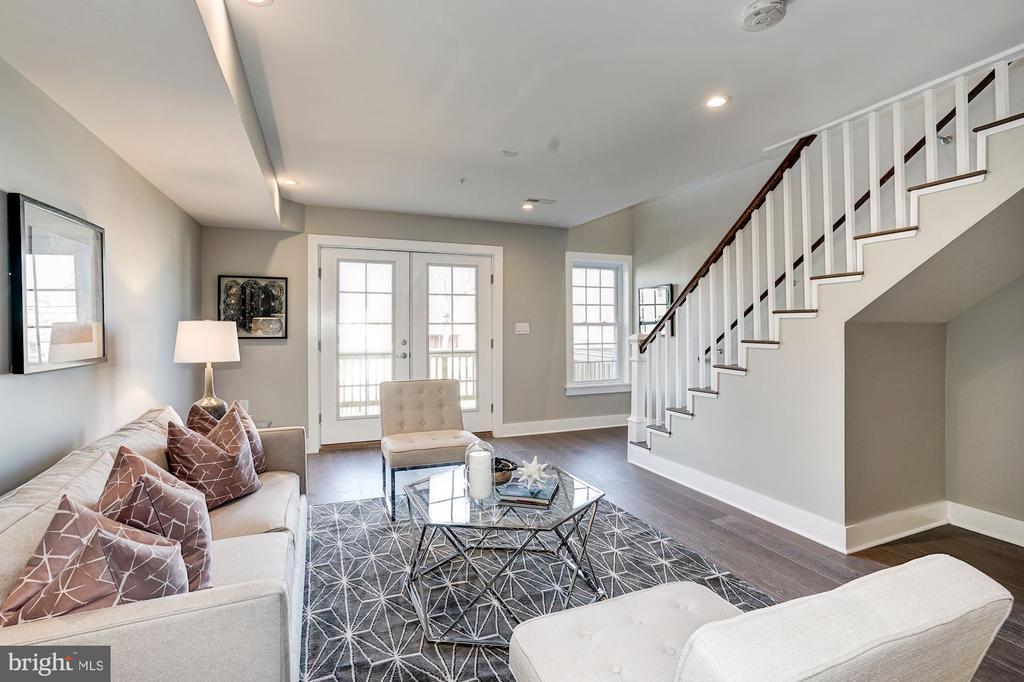 Living room - 1826 INDEPENDENCE AVE SE #FOUR, WASHINGTON