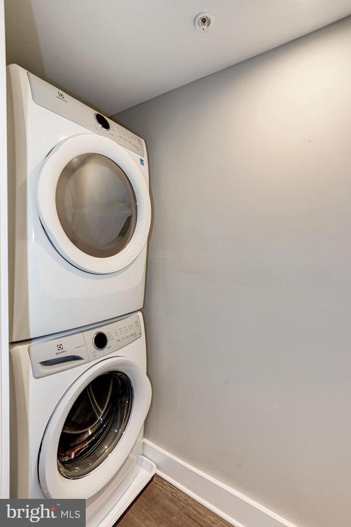 In-unit washer/dryer - 1826 INDEPENDENCE AVE SE #FOUR, WASHINGTON