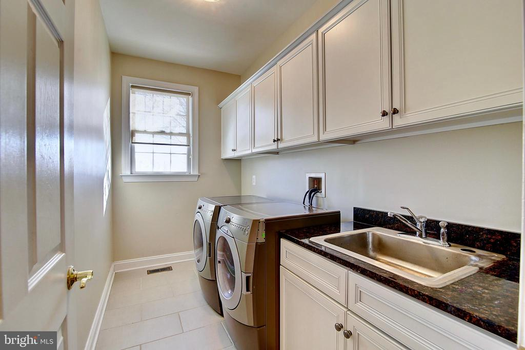 Laundry Room - 44181 RIVERPOINT DR, LEESBURG