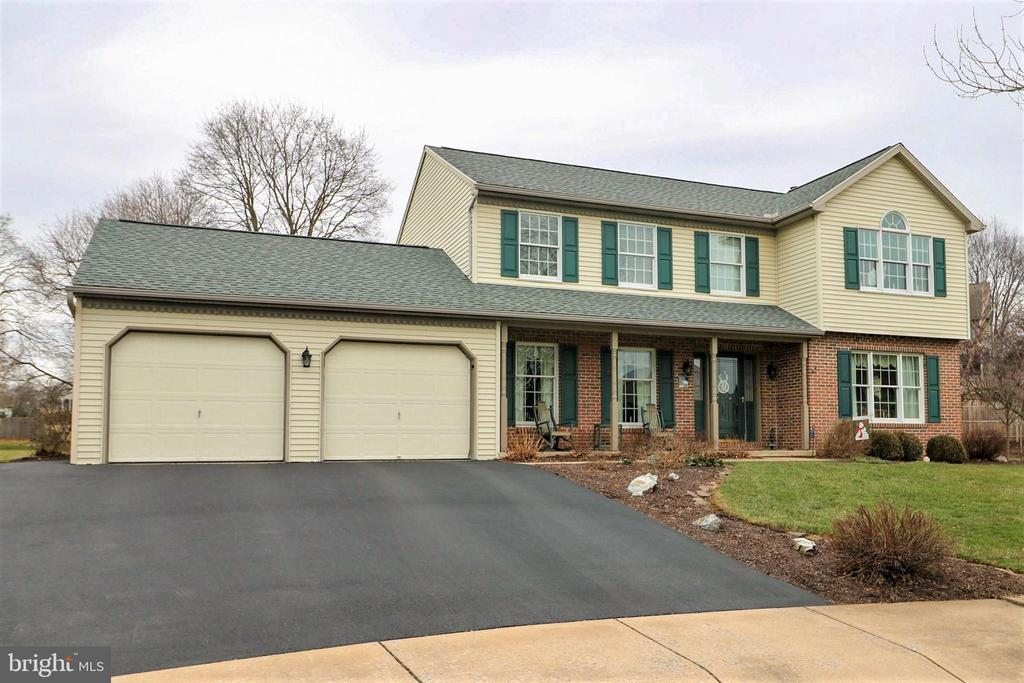 7  APPLE DRIVE, Manheim Township in LANCASTER County, PA 17543 Home for Sale