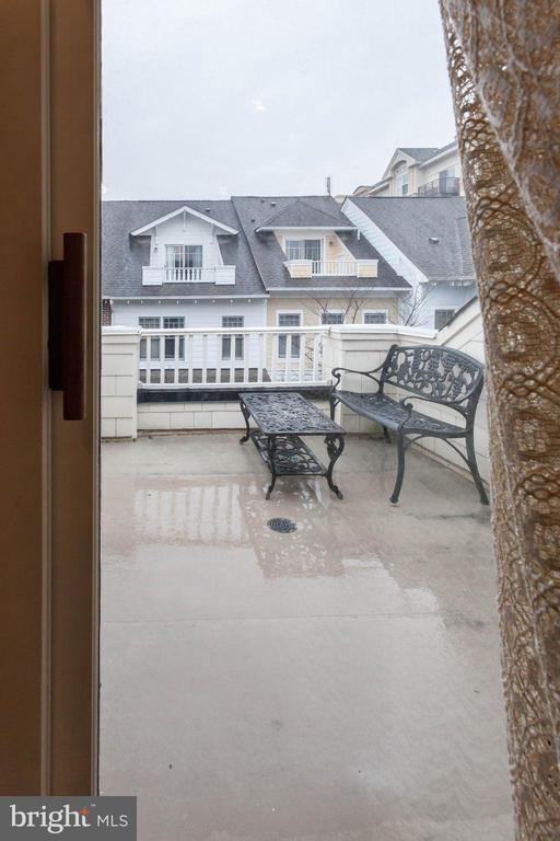 loft balcony - 1332 N DANVILLE ST, ARLINGTON