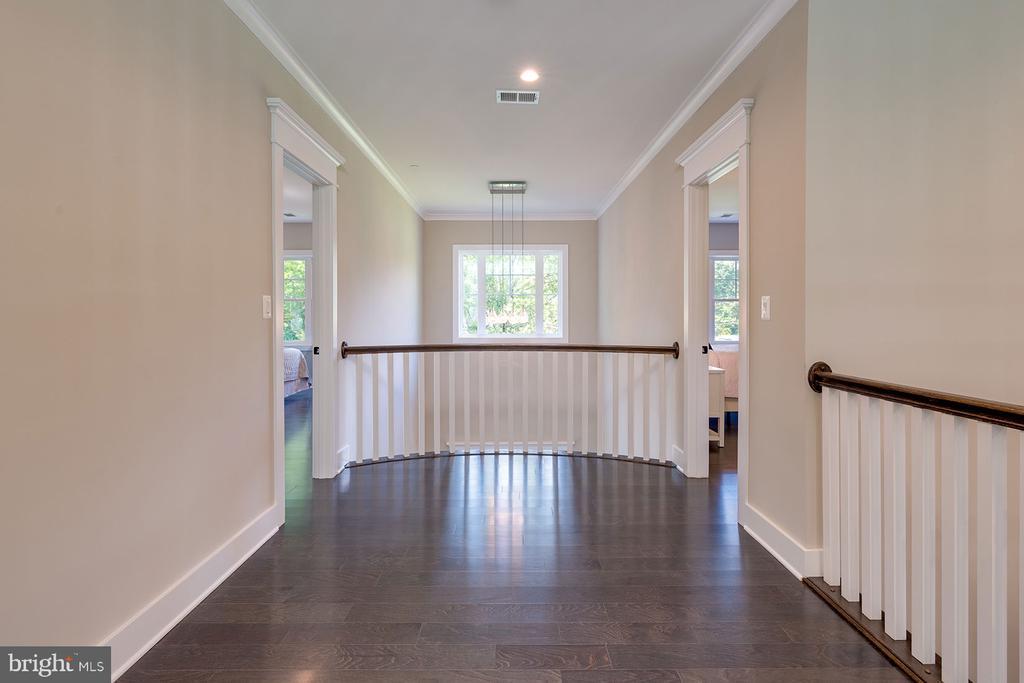 2 Story Foyer~ - 10704 LOCKLAND RD, ROCKVILLE