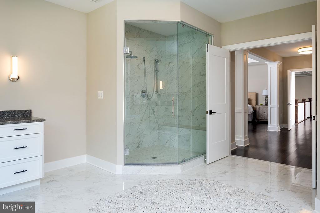 Frameless Showers - 10704 LOCKLAND RD, ROCKVILLE