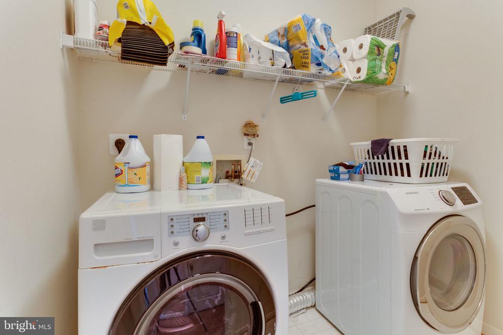 Bedroom Level Laundry Room - 493 BELMONT BAY DR, WOODBRIDGE