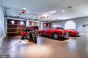 3 car garage in the Villa - 11408 HIGHLAND FARM CT, POTOMAC