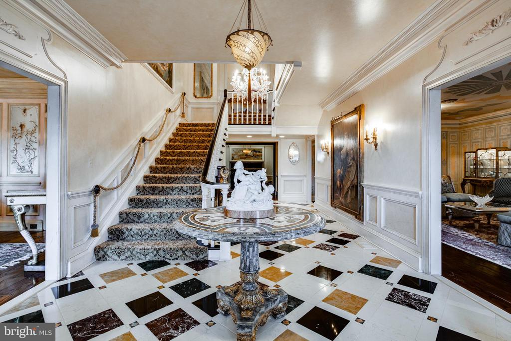 Grand Foyer with 18th Century Venetian chandelier - 11408 HIGHLAND FARM CT, POTOMAC