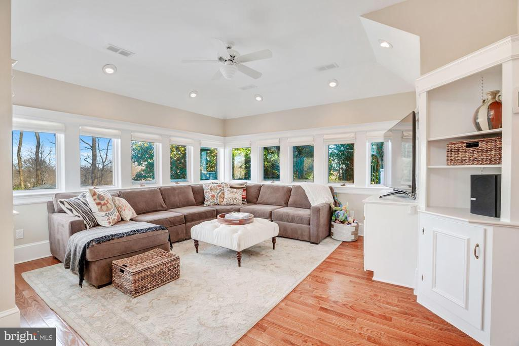 This Family Room also has wrap around windows - 4619 27TH ST N, ARLINGTON