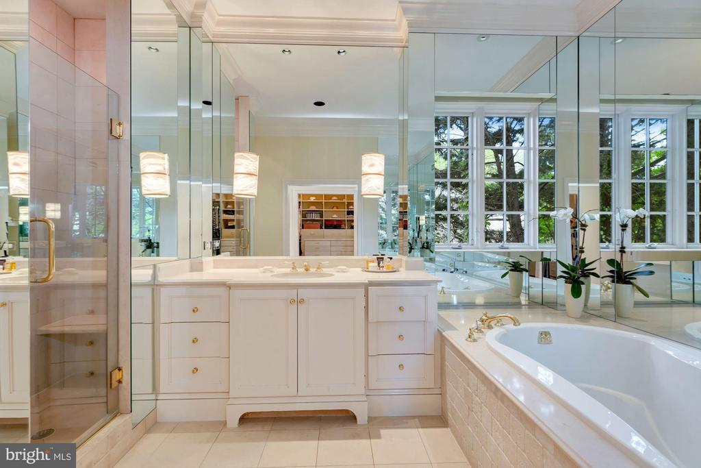 Master Bath - 6004 BROOKSIDE DR, CHEVY CHASE