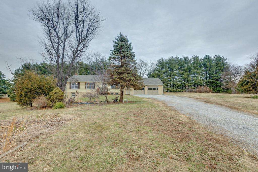 - 3795 LORD FAIRFAX HWY, BERRYVILLE