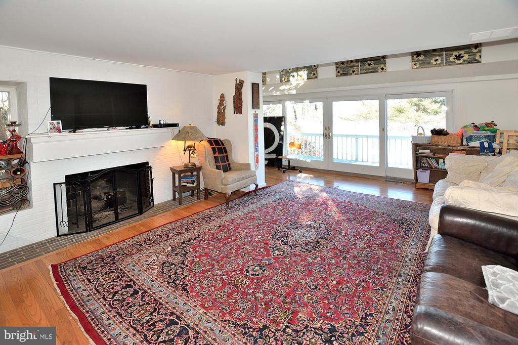 Enormous living room 21x15 with gas fireplace - 11312 WEDGE DR, RESTON