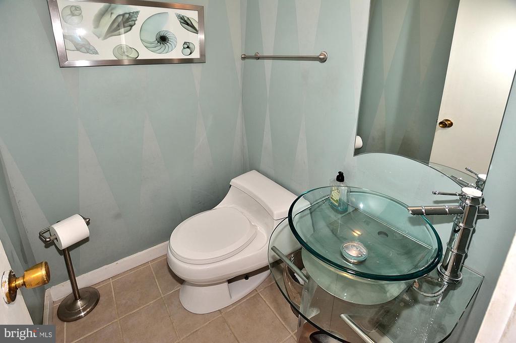 Updated powder room - 11312 WEDGE DR, RESTON