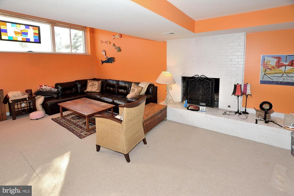 Down stairs living space with fireplace - 11312 WEDGE DR, RESTON