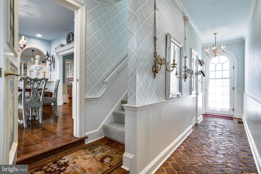 Mud Room - 11408 HIGHLAND FARM CT, POTOMAC