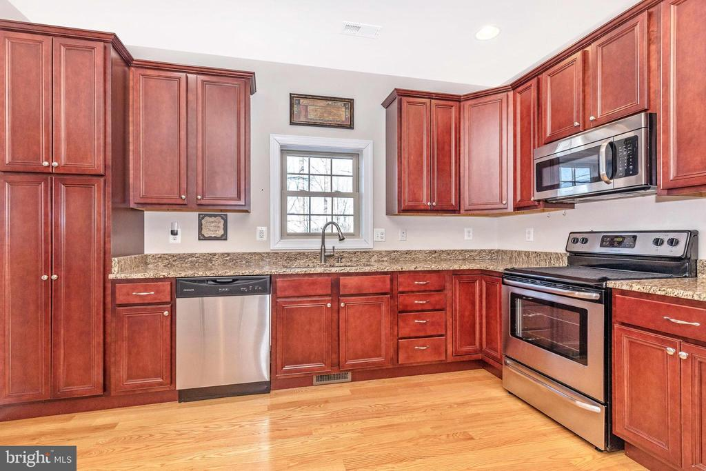 Kitchen - 6801 OAKCREST CT, NEW MARKET