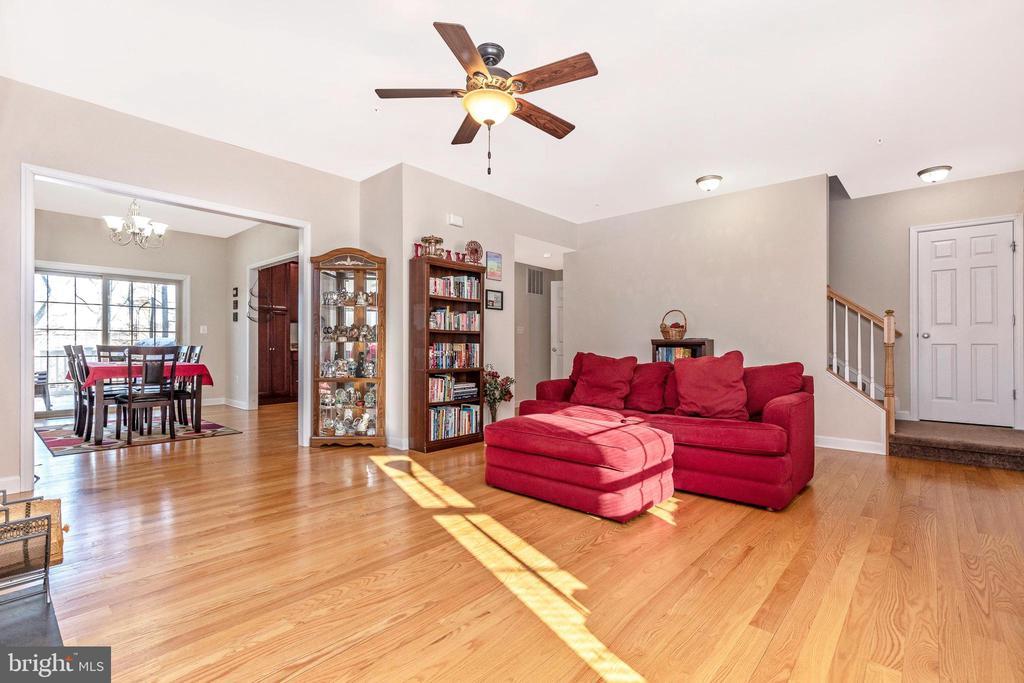 Living Room - 6801 OAKCREST CT, NEW MARKET
