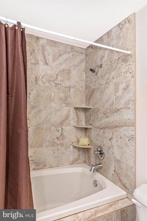 Master Bathroom - 6801 OAKCREST CT, NEW MARKET