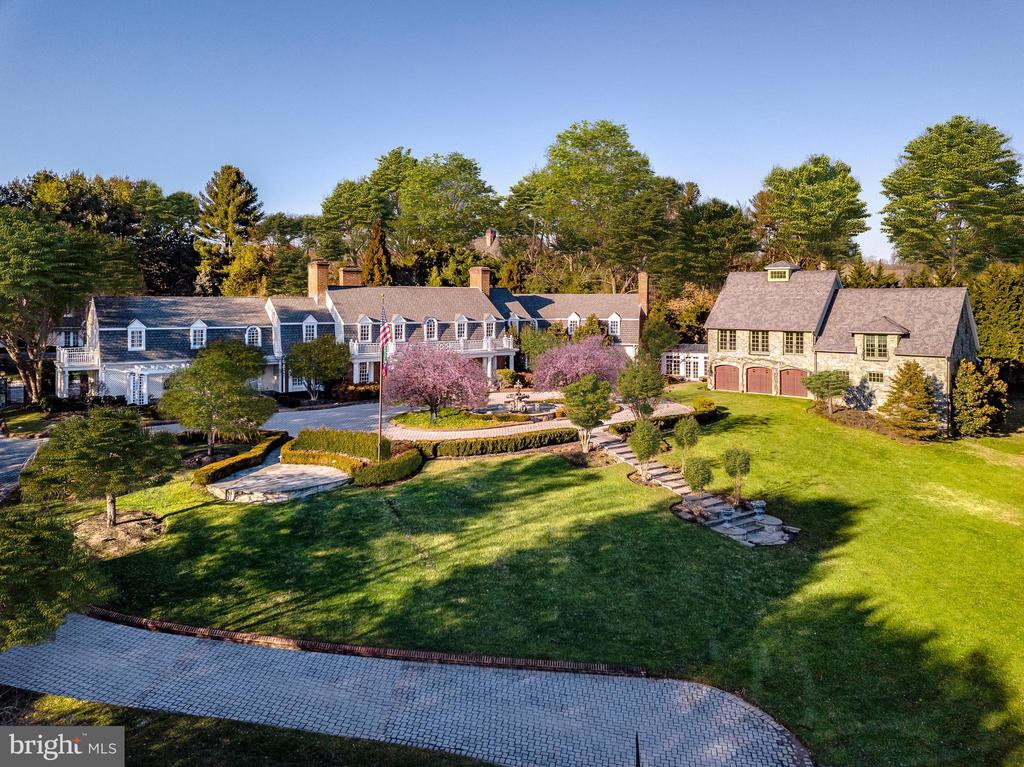 An outstanding estate - 11408 HIGHLAND FARM CT, POTOMAC