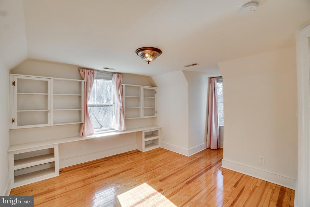 Built In Shelves in Bedroom #2 - 405 FORBES ST, FREDERICKSBURG