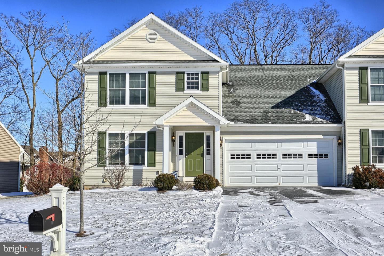Photo of home for sale at 5351 Oak Leaf, Mount Joy PA