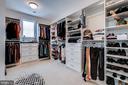 Custom closet in owner's suite - 41621 WHITE YARROW CT, ASHBURN