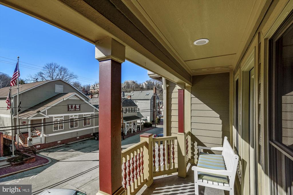 Balcony off 2nd bedroom - 217 MILL ST, OCCOQUAN