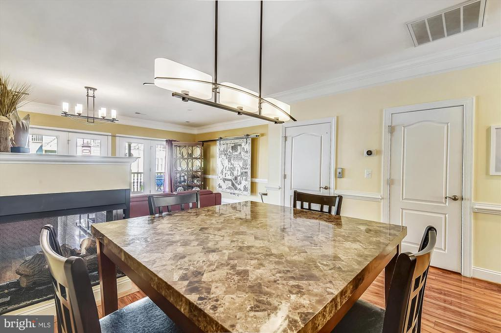 Formal  dining room. - 217 MILL ST, OCCOQUAN