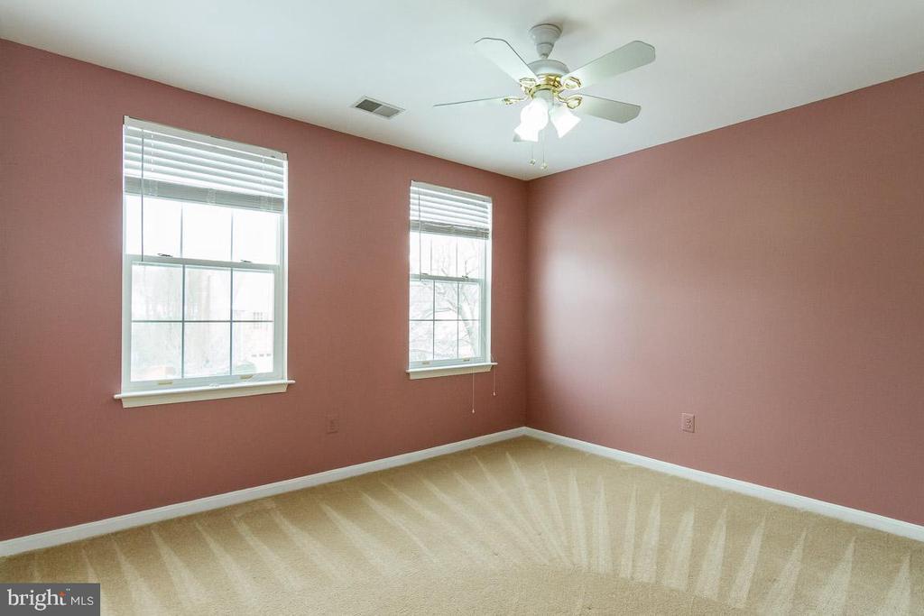 Bedroom 3 - 9310 CARONDELET DR, MANASSAS PARK