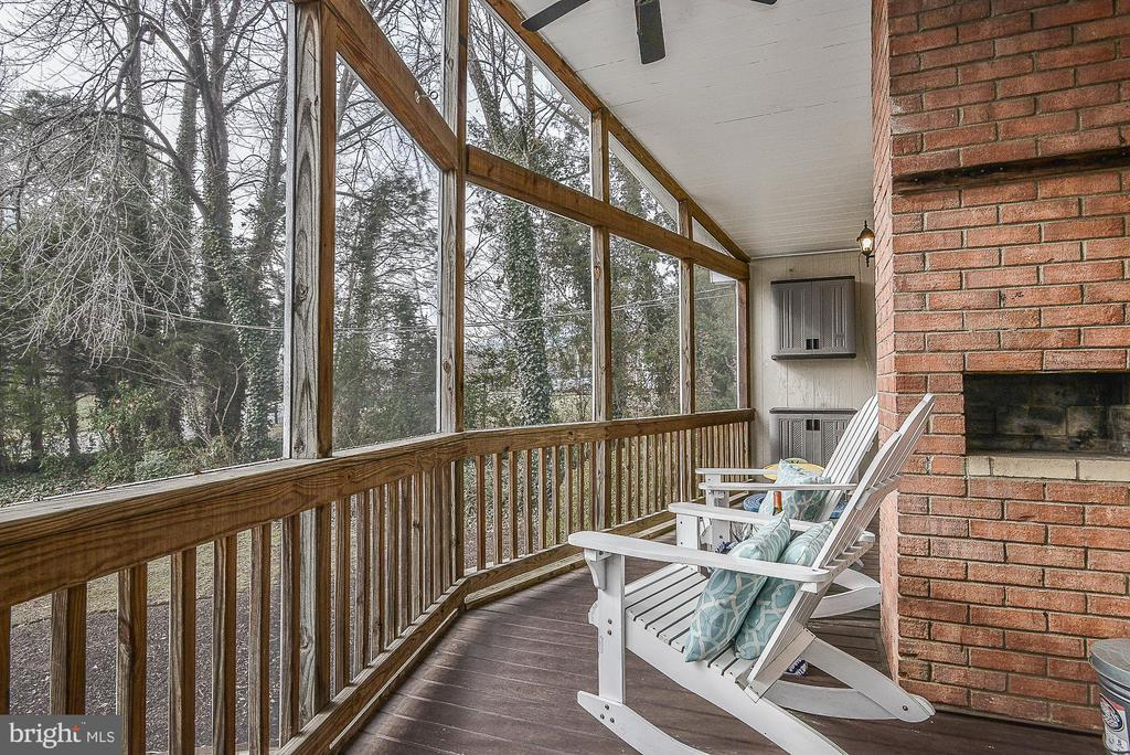 Screened in porch - 10522 GREENE DR, LORTON