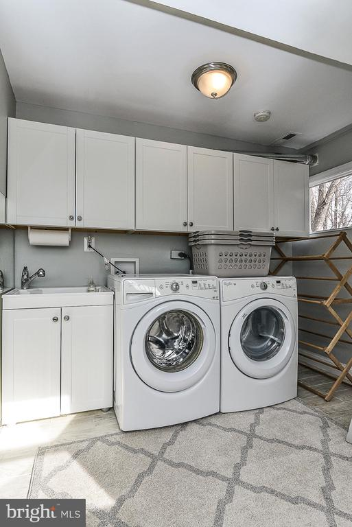 Washer/ Dryer area - 10522 GREENE DR, LORTON