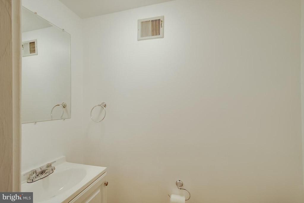 Basement Bath - 9920 WHITEWATER DR, BURKE