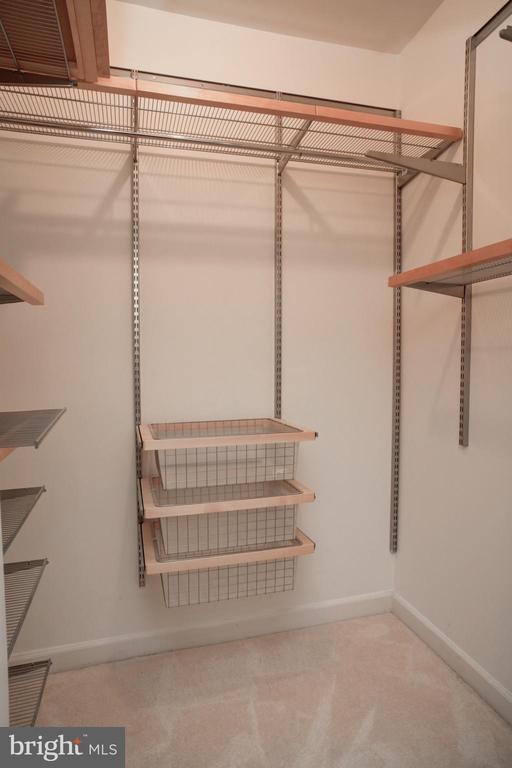 Master Bedroom Walk-in Closet - 440 BELMONT BAY DR #104, WOODBRIDGE
